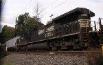 NS 9084 on CSX K622